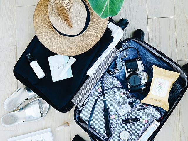 シェアドコスメのメリット3:旅行に行く時に荷物が減る