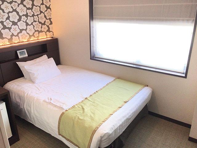 品川東武ホテルの部屋ベッドの画像